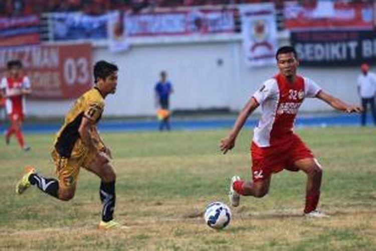 Mitra Kukar sukses menekuk PSM Makassar 1-0 pada leg pertama Piala Presiden 2015 di Stadion Aji Imbut, Tenggarong, Sabtu (19/9/2015)