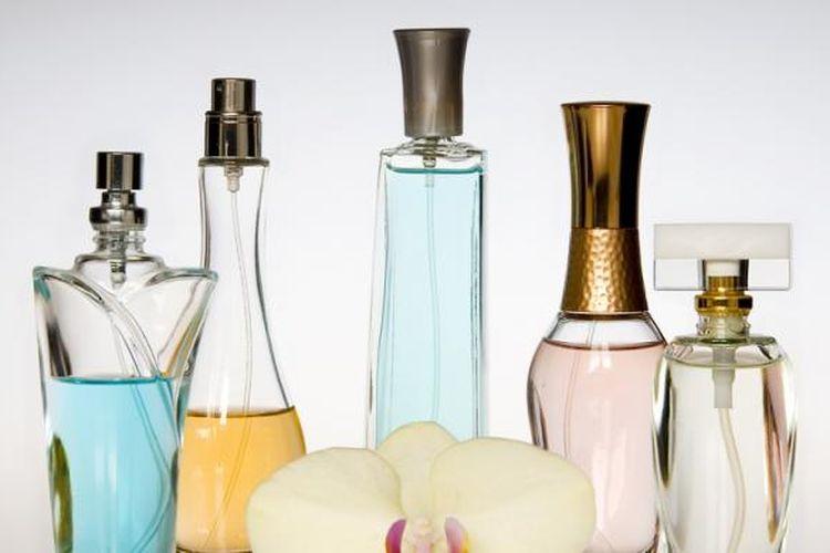 Ilustrasi botol parfum.