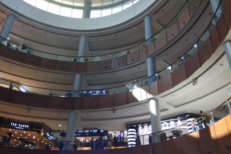 Pusat perbelanjaan Dubai Mall di Dubai, Uni Emirates Arab.
