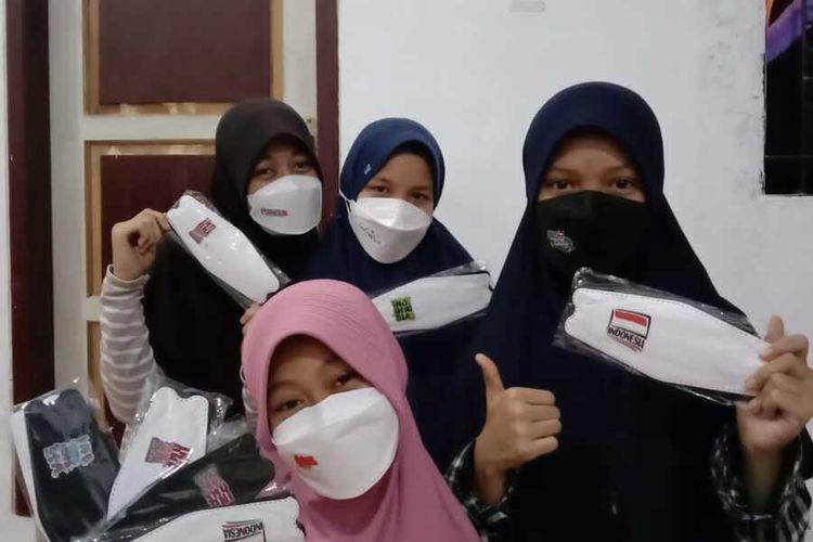 Masker bernuansa HUT Kemerdekaan ke-76 RI diproduksi warga Kota Serang, Banten