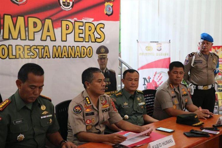 Polda Sulut, Kodam XIII Merdeka dan Polresta Manado, saat jumpa pers di lobi Mapolresta Manado, Minggu (30/6/2019). Dok. Kabid Humas Polda Sulut