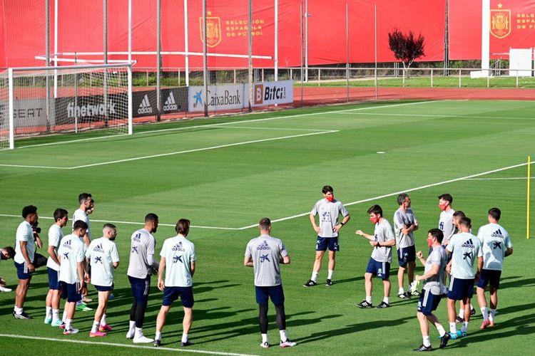 Timnas Spanyol saat menjalani latihan menjelang Euro 2020 di pusat latihan Las Rozas.