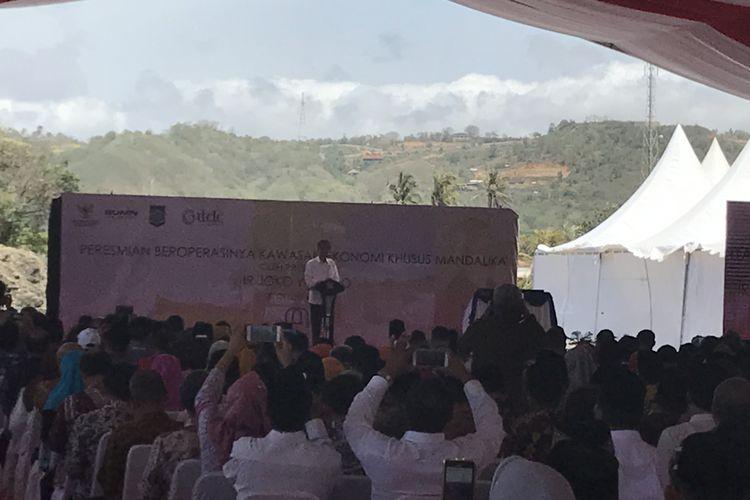 Presiden Joko Widodo saat meresmikan Kawasan Ekonomi Khusus Mandalika, Nusa Tenggara Barat.
