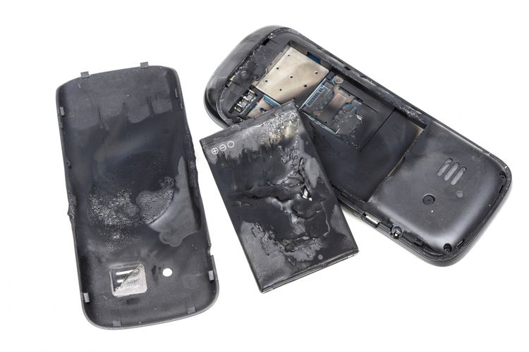 Ilustrasi ponsel meledak