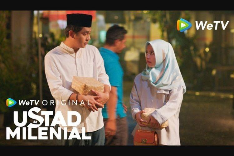 Arbani Yasiz dan Prilly Latuconsina dalam serial drama Ustad Milenial (2021).