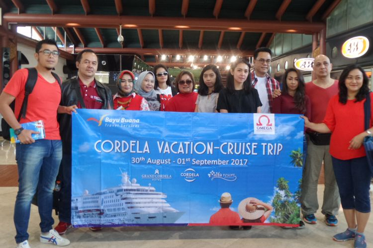 Para pemenang Cordela Vacation Cruise Trip berkumpul di Terminal II Bandara Soekarno-Hatta, Tangerang, Rabu (30/8/2017).
