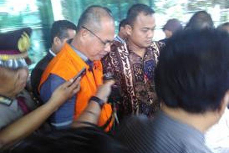 Bupati Musi Banyuasin Pahri Azhari ditahan KPK, Jumat (18/12/2015)