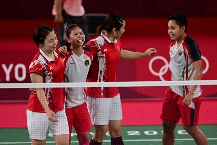 Suasana seusai pertandingan final bulu tangkis ganda putri Olimpiade Tokyo 2020 yang mempertemukan Greysia Polii/Apriyani Rahayu (Indonesia) vs Chen Qingchen/Jia Yifan (Chinaa) di Lapangan 1 Musashino Forest Sports Plaza, Tokyo, Jepang, pada Senin (2/8/2021).