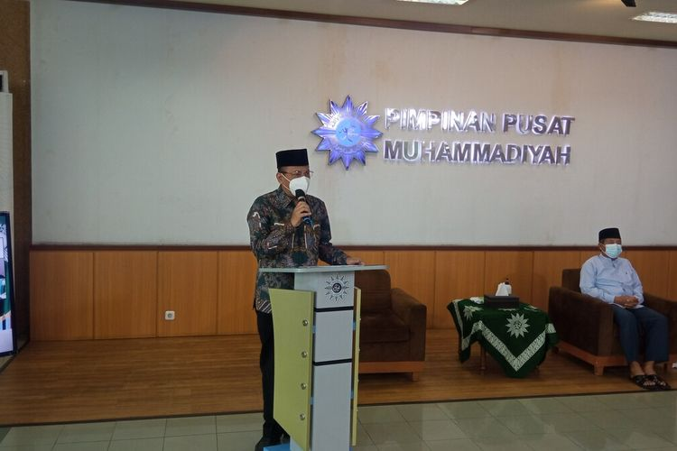 Sekretaris PP Muhammadiyah Agung Danarto saat jumpa pers di Gedung PP Muhammadiyah, Kota Yogyakarta, Senin (10/5/2021)