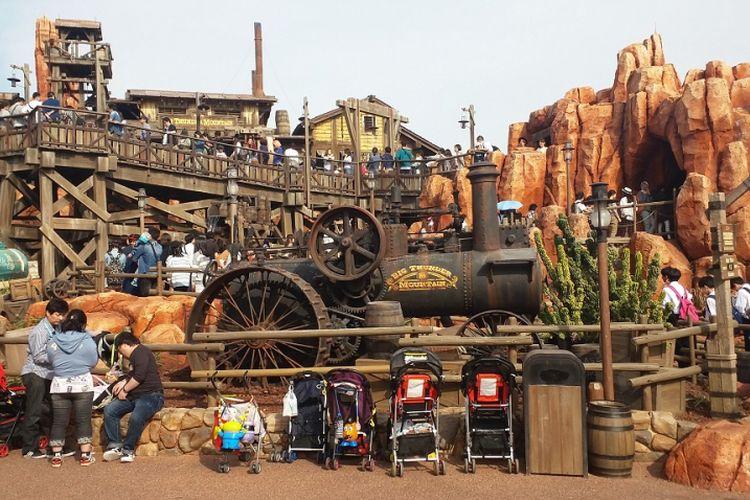 Big Thunder Mountain merupakan salah satu wahana yang terdapat di area Westernland di kompleks Tokyo Disneyland.