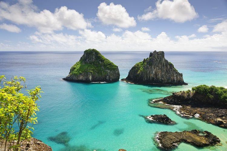 Ilustrasi Brazil - Kepulauan bernama Fernando de Noronha di negara bagian Pernambuco.