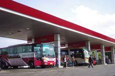 Masih Banyak Bus Tidak Mematikan Mesin saat Isi Bahan Bakar