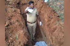 Polisi India Kuburkan Jenazah yang Ditolak Keluarga karena Takut Tertular Covid-19