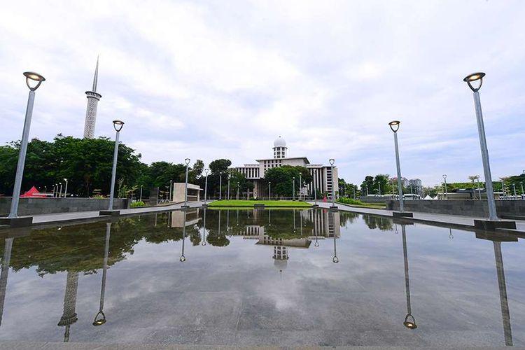 Tampilan baru Masjid Istiqlal usai direnovasi, Jakarta, Kamis (7/1/2021). Renovasi ini merupakan yang pertama sejak 42 tahun lalu, dengan memaksimalkan fungsi masjid sebagai tempat ibadah sekaligus memperhatikan aspek arsitektur, seni, hingga estetika.