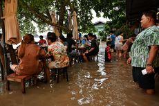 Kafe Ini Tetap Buka Saat Banjir, Malah Ramai Diserbu Pengunjung