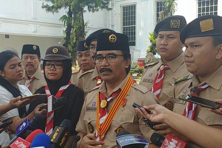 Ketua Kwartir Nasional Gerakan Pramuka Adhyaksa Dault menemui Jokowi di Istana, Kamis (10/8/2017).