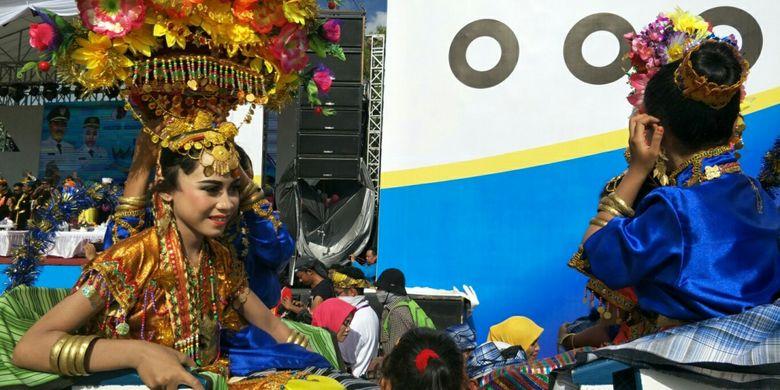 Kansodaa, prosesi adat masyarakat Wakatobi yang digelar saat perhelatan Wakatobi Wonderful Festival and Expo 2017 atau Wakatobi WAVE 2017 yang berlangsung pada 11 hingga 13 November 2017 di pelabuban Panggulubelo, Pulau Wangi-Wangi, Kabupaten Wakatobi, Provinsi Sulawesi Tenggara.