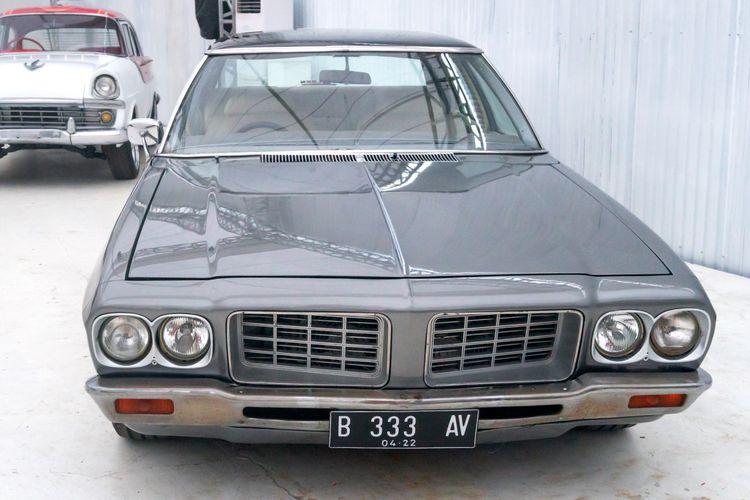 Restorasi Holden Statesman HQ bergaya classic stance garapan MCM Holden Garage