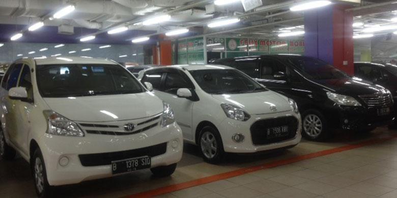 Salah satu mobil Toyota Avanza yang dijual di Bursa Mobil Bekas Mall MGK Kemayoran