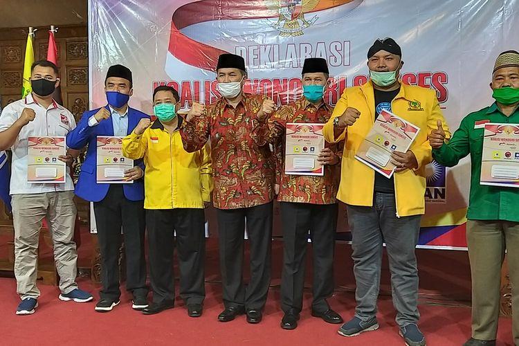 DEKLARASI—Lima parta politik yakni PDI-P, Golkar, PAN, PPP PSI mendeklarasikan Koalisi Wonogiri Sukses untuk mengusung paslon Joko Sutopo-Setyo Sukarno (JOSS) maju dalam pilkada 9 Desember 2020 di Gedung Saraswati Kota Wonogiri, Kamis (3/9/2020) siang.