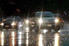 Tips Aman Nyetir Mobil Saat Hujan