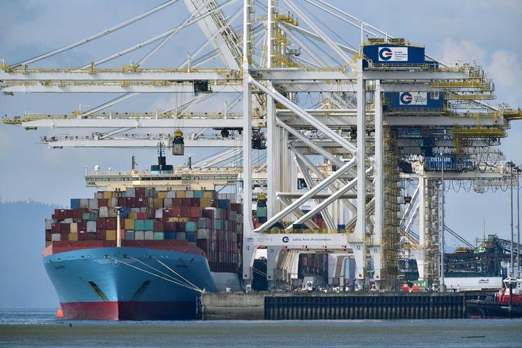 Kapal kargo yang membawa sekitar 69 kontainer berisi sampah dari Filipina telah merapat ke pelabuhan Deltaport di Tsawwassen, British Columbia, Kanada, Sabtu (29/6/2019).