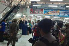 Razia ke Pusat Perbelanjaan, Satgas Covid-19 Bubarkan Kerumunan Warga yang Berbelanja