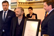 Vokalis Iron Maiden Bruce Dickinson Dinobatkan Jadi Warga Kehormatan Sarajevo