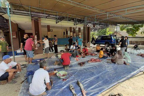 Slamet, Warga Nasrani di Gunungkidul yang Ikut Memotong Daging Kurban