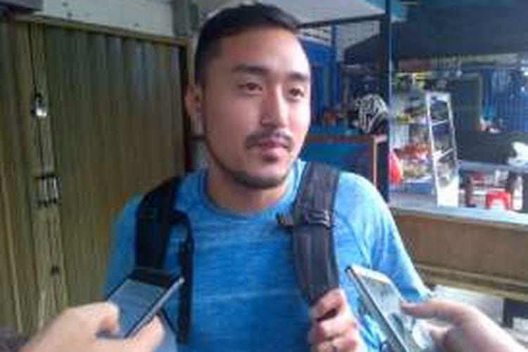 Striker baru Persib Bandung Shohei Matsunaga saat ditemui wartawan di di Mes Persib, Jalan Ahmad Yani, Bandung, Jumat (13/1/2017). KOMPAS.com/DENDI RAMDHANI