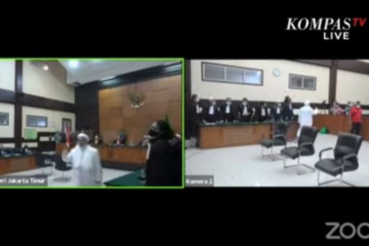 Terdakwa kasus tes usap di RS Ummi Bogor, Rizieq Shihab, setelah menjalani sidang vonis pada hari ini, Kamis (24/6/2021).