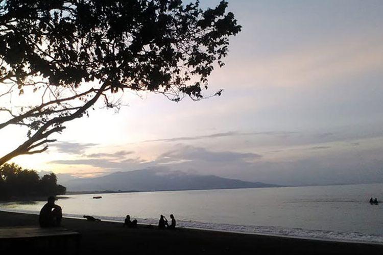 Pantai Waiara di Kabupaten Sikka, Nusa Tenggara Timur (NTT), Minggu (3/2/2019).