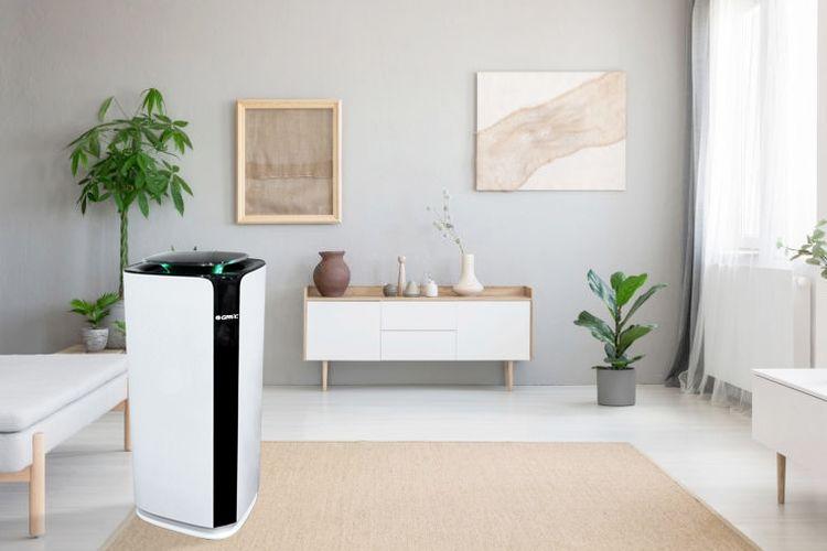 Agar anggota keluarga yang beraktivitas di dalam rumah tetap sehat, udara bersih dalam ruangan perlu dijaga dari potensi partikel mikroskopik yang keluar melalui batuk maupun bersin.