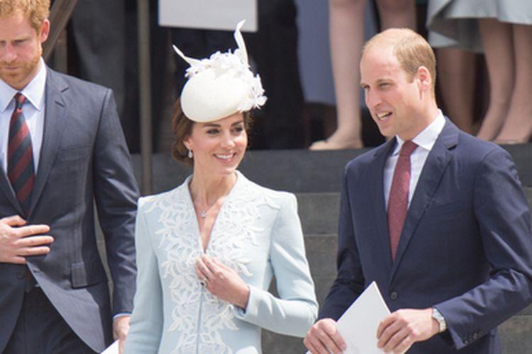 Kate Middleton dan Pangeran William ketika hadir di St Pauls, di London, Inggris, (10/6/2016).