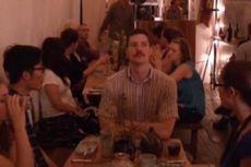 Tamu Restoran Dilarang Bicara Saat Makan