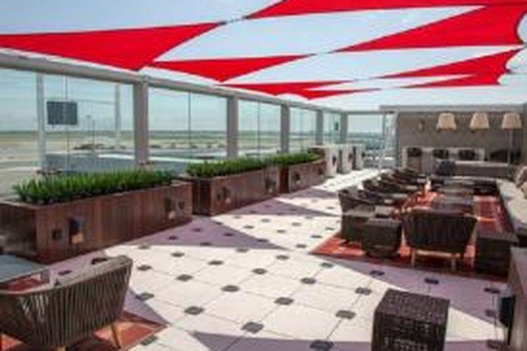 Delta Sky Lounge di Bandara JFK, AS.