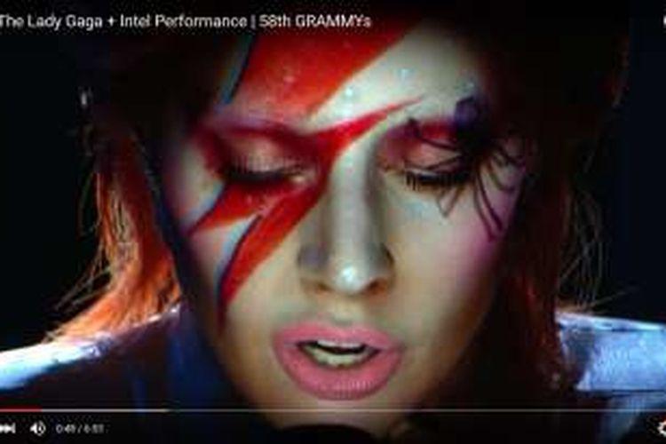 Hormati Bowie Lady Gaga Tampil Maksimal Pada Grammy Awards 2016 Halaman All Kompas Com
