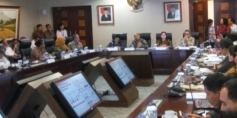 Sejumlah menteri menghadiri Pers Briefing 2 Tahun Kinerja Jokowi-JK, bertema Pembangunan Manusia di Bina Graha, Kementerian Sekretariat Negara, Jakarta, (Senin 24/10/2016).