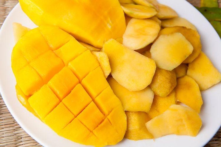 Mangga kaya akan vitamin A dan C, kalium, dan serat.