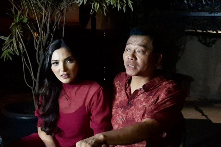 Anang Hermansyah dan Ashanty saat ditemui usia syuting klip videp Luar Biasa di kawasan Gunawarman, Jakarta Selatan, Jumat (15/11/2019).