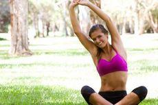 Rutin Yoga Sembuhkan Sakit Punggung
