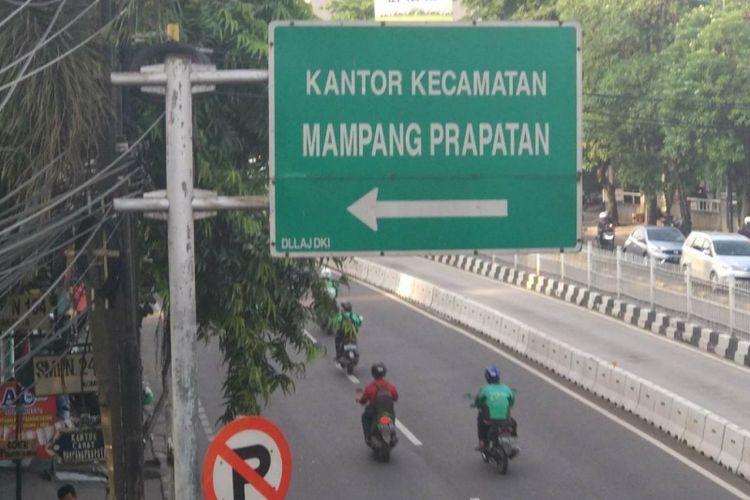Penanda Kantor Kecamatan Mampang Prapatan.