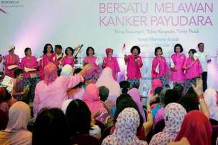 Sekitar 600 penyintas kanker payudara berkumpul pada acara