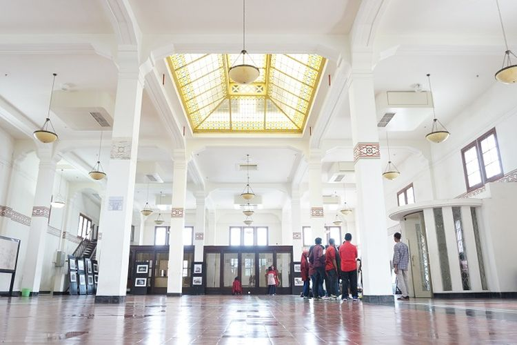Tampak lantai dua bangunan De Javasche Bank