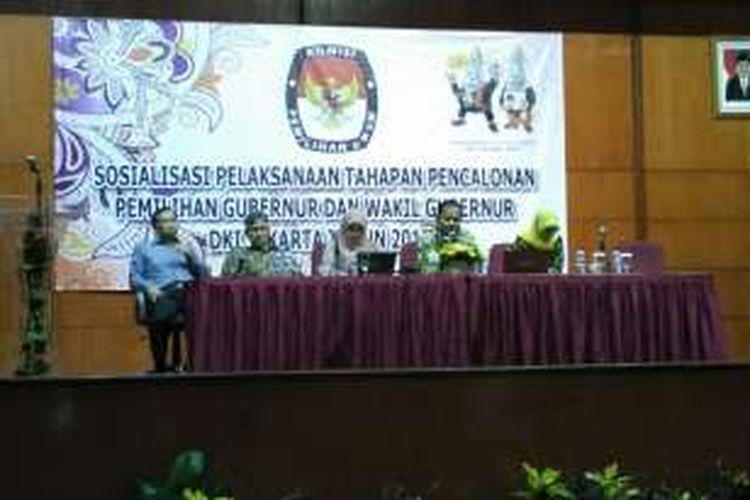 Sosialisasi pelaksanaan tahapan pencalonan pemilihan gubernur dan wakil gubernur DKI Jakarta 2017 oleh KPU DKI Jakarta di Hotel Bidakara, Jakarta Selatan, Senin (18/7/2016).