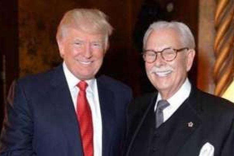 Anthony Senecal (kanan) dan Donald Trump.