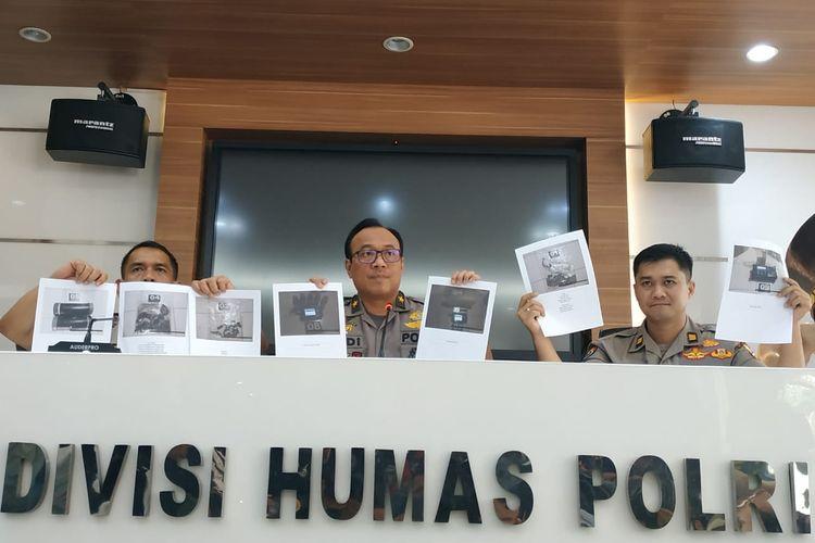 Kepala Biro Penerangan Masyarakat Divisi Humas Polri Brigadir Jenderal (Pol) Dedi Prasetyo dalam konferensi persnya di Mabes Polri, Jakarta, Selasa (15/10/2019).