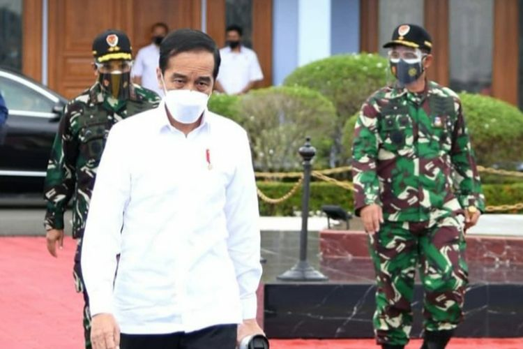 Presiden Joko Widodo bertolak menuju Kalimantan Selatan untuk tinjau banjir, Senin (18/1/2021).