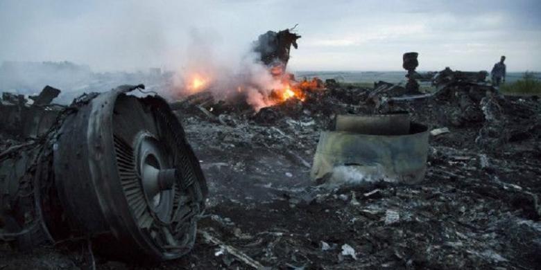 Pesawat Malaysia Airlines MH17 yang  jatuh pada Juli 2014 menewaskan seluruh 298 penumpang dan awaknya.