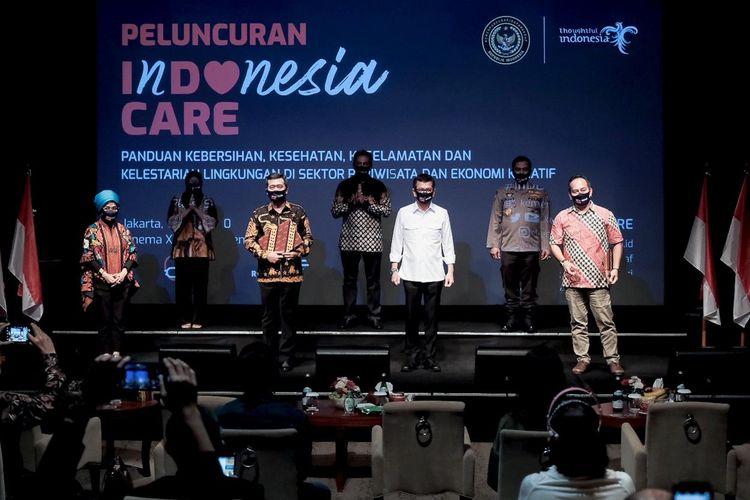Menparekraf Wishnutama Kusubandio dalam peluncuran kampanye Indonesia Care di Studio XXI Plaza Senayan, Jakarta, Jumat (10/07/2020).
